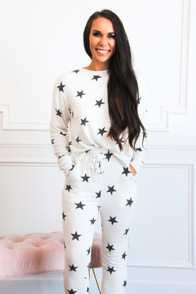 Cozy Vibes Jogger Two Piece Set: White Stars - Bella and Bloom Boutique