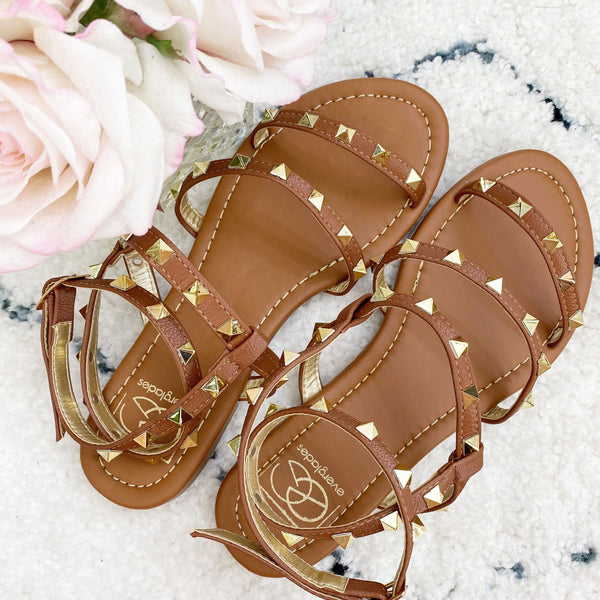 Harper Studded Sandals: Cognac - Bella and Bloom Boutique