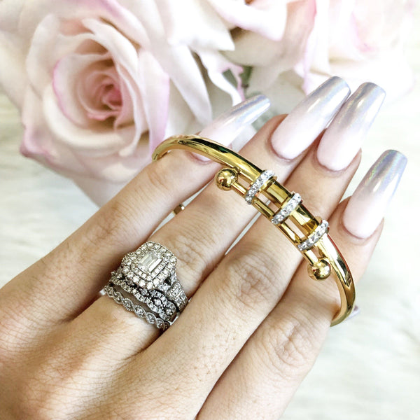 Twisted Elegance Bangle: Gold - Bella and Bloom Boutique
