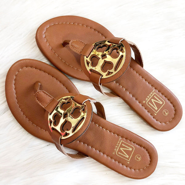 Blakely Medallion Sandals: Cognac