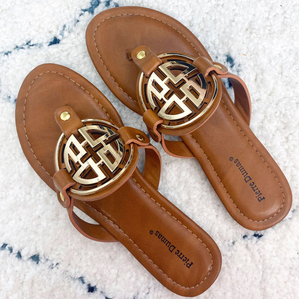 Bryleigh Medallion Sandals: Cognac/Gold - Bella and Bloom Boutique