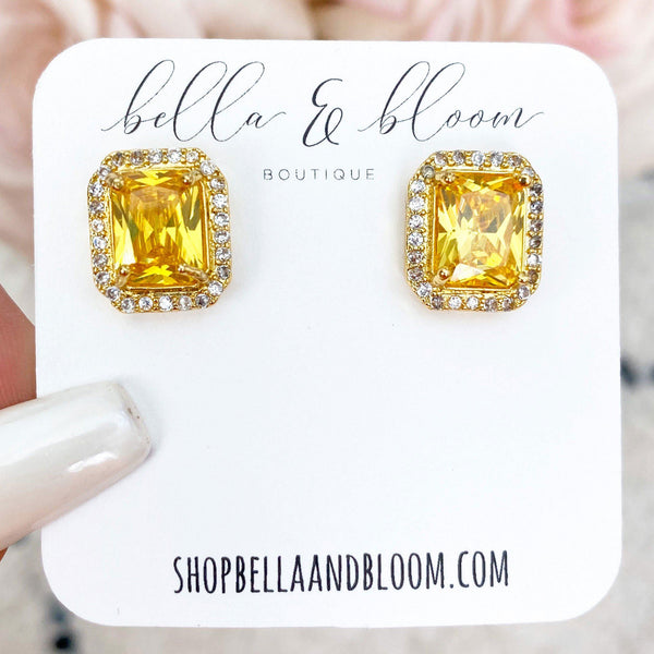 Fancy Gal Stud Earrings: Topaz