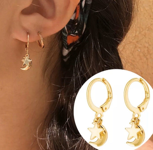 Moon and Star Huggie Earrings: Gold - Bella and Bloom Boutique