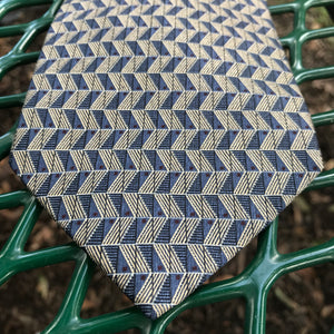 "BRUNO PIATTELLI Men's Geometric Pattern Pure Silk Tie, 54.5""L x 4""W"