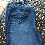 LIZ CLAIBORNE Women's Plus Size 16 Comfort Stretch Crop Medium Wash Jeans