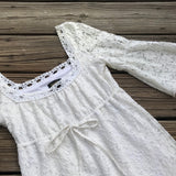LAUNDRY BY SHELLI SEGAL Size S Boho Chic Bell Sleeves White Lace Dress