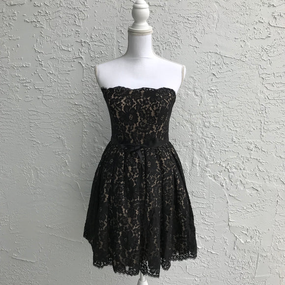 Neiman Marcus Robert Rodriguez Lace Formal Dress, Size 4