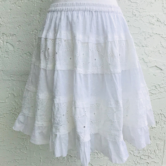 Solitaire A-Line White Cotton Layered Skirt, Size M