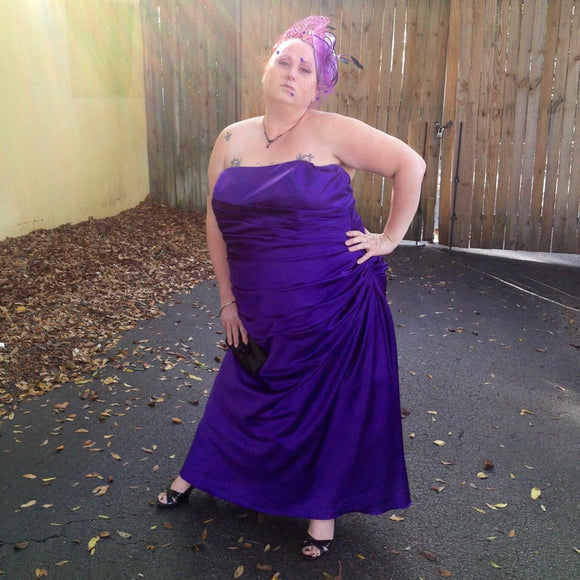 David's Bridal Plus Size Strapless Ruched Purple Satin Ball Prom Gown Bridesmaid Dress, Size 4X