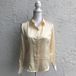 Jaclyn Smith Classic Cream Satin Feel Blouse, Size Small