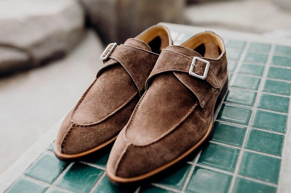 Artisanal Craftsmanship: Only 25 pairs of shoes produced per day