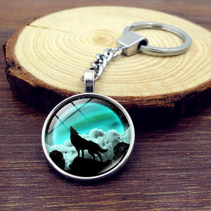Wolf and Moon Keychain - KeyChain - PurpliKi