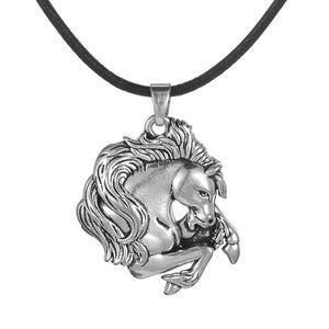Magnificent Horse Head Pendant - Pendant Necklaces - PurpliKi