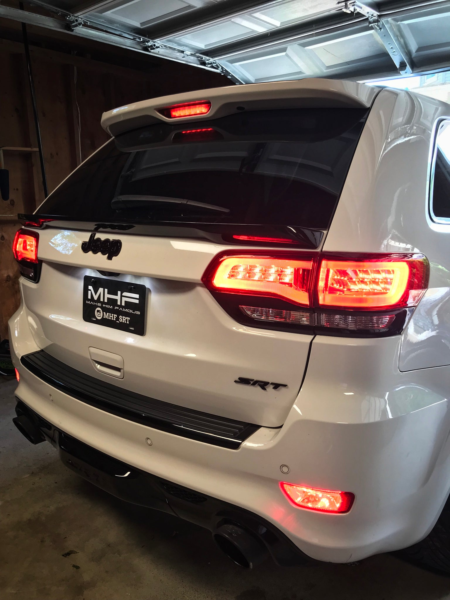 2014-2021 Jeep Grand Cherokee LED Taillights