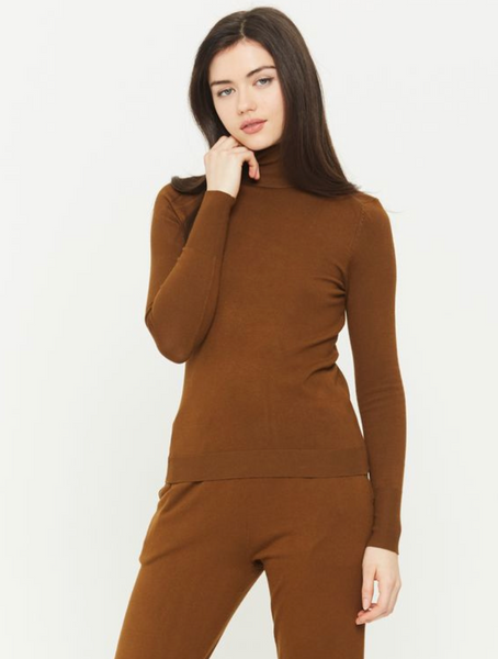 Whitewater Turtleneck