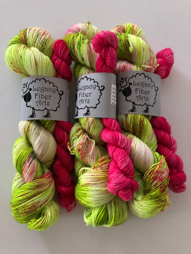 Grinch Glitzy Sock Kit