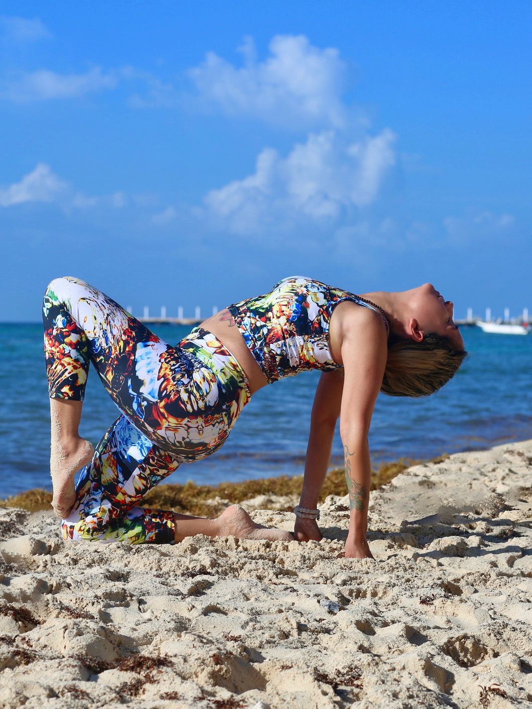 Mati | Efesto Designs Efestosports yoga capris | inspired by the sea, range of colours, non-repeating patterns