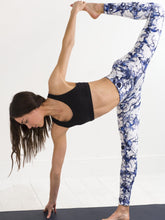 Grid blue | Efesto Designs yoga leggings | random pathlines from fluid flow | half moon bound yoga position