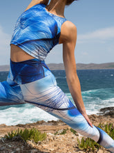 Efesto Designs Efestosports yoga leggings | blue lines on shades of blue background from fluid flow