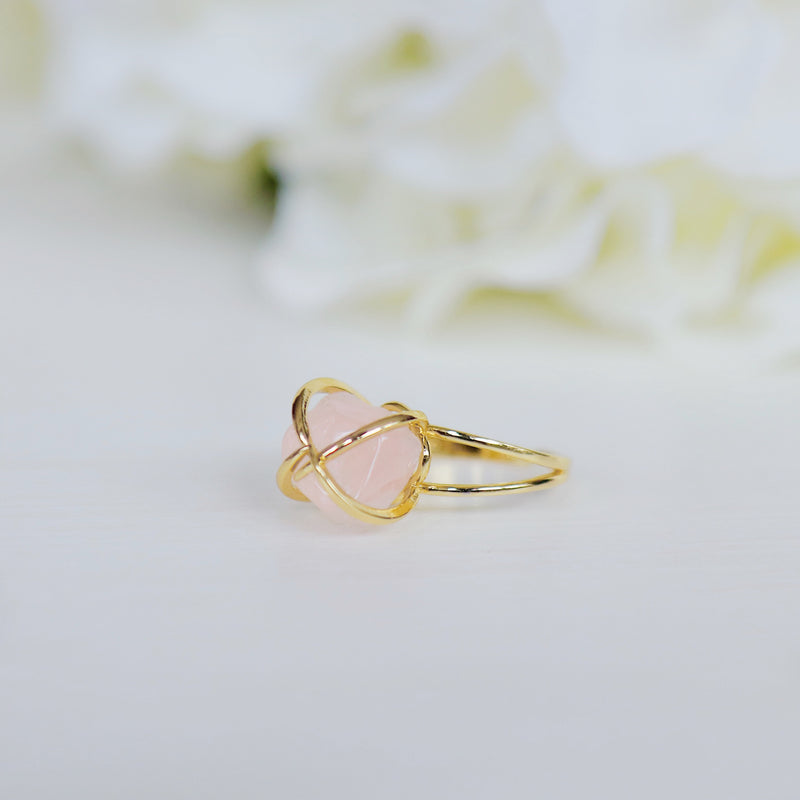 Center Of Attention Single Stone Rose Quartz Ring in Gold
