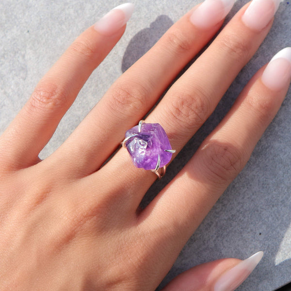 Center Of Attention Single Stone Amethyst Ring in Silver - Beau Life