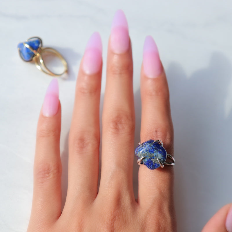 Center Of Attention Single Stone Lapis Lazuli Ring in Silver - Beau Life