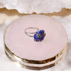 Center Of Attention Single Stone Lapis Lazuli Ring in Silver