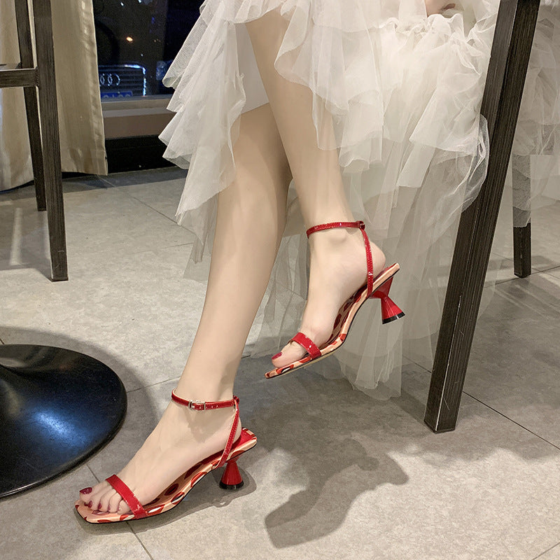 Women Fashion Slingback Dots Strap Buckle Chunky Heel Sandals - fashionshoeshouse