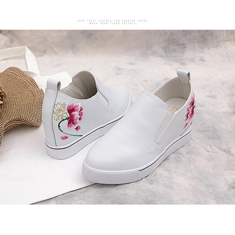 Vintage Pointed Toe Medium High Flower White Loafers For Women - fashionshoeshouse