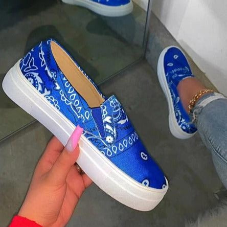 Women's slip on sneakers flat casual shoes for summer round head comfy loafers