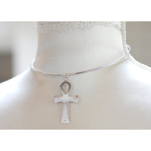 STERLING SILVER DISCREET COLLAR AND LARGE ANKH PENDANT.