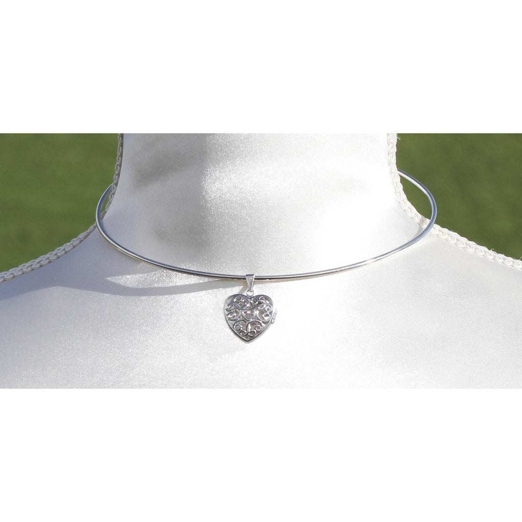 ELEGANT COLLAR AND LOCKET, STERLING SILVER (925) AND VINTAGE STYLE FILIGREE HEART.