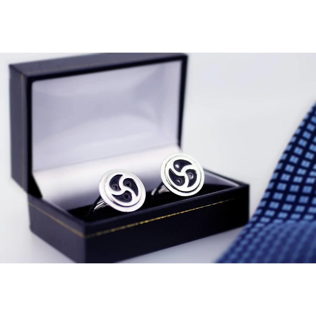 BDSM SYMBOL CUFFLINKS STERLING SILVER 15MM TRISKELE ON 20MM DISK.