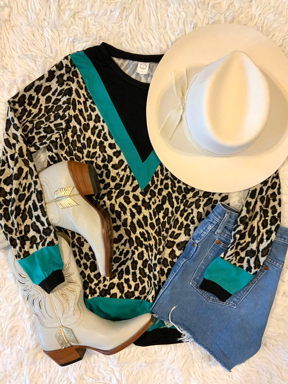 The Wagoner Leopard Print Long Sleeved Top (Turquoise S-3XL)