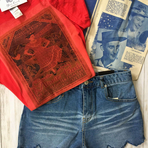 THE MINNIE PEARL GRAPHIC TEE