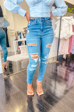 Eve Distressed High Waisted Jeans