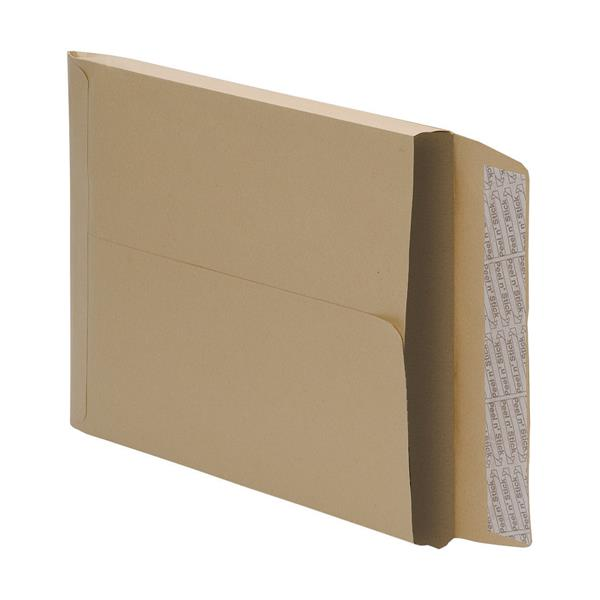 5 Star Office Envelopes Gusset 25mm Peel and Seal 115gsm Manilla C4 [Pack 125]