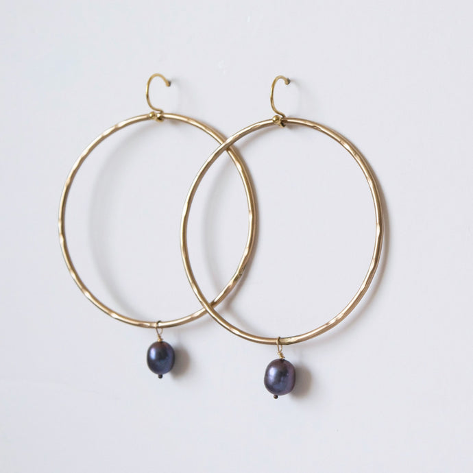Gold Hoop Earrings with Tahitian Pearls