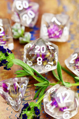 English Lavender - Real Flowers Acrylic Dice Set - GAMETEEUK