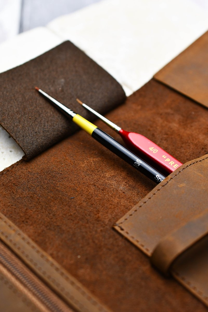 Fine Leather Case of Holding - Heritage Brown - GAMETEEUK