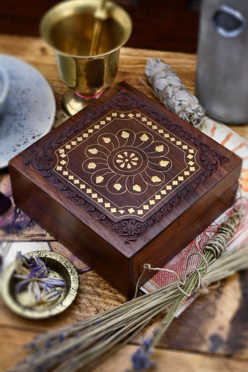 Herbalist - Handmade Dice and Accessory Box - GAMETEEUK