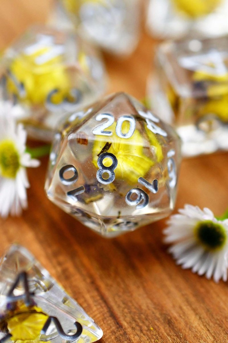 When Life Gives You Lemons - Real Flowers Acrylic Dice Set - GAMETEEUK
