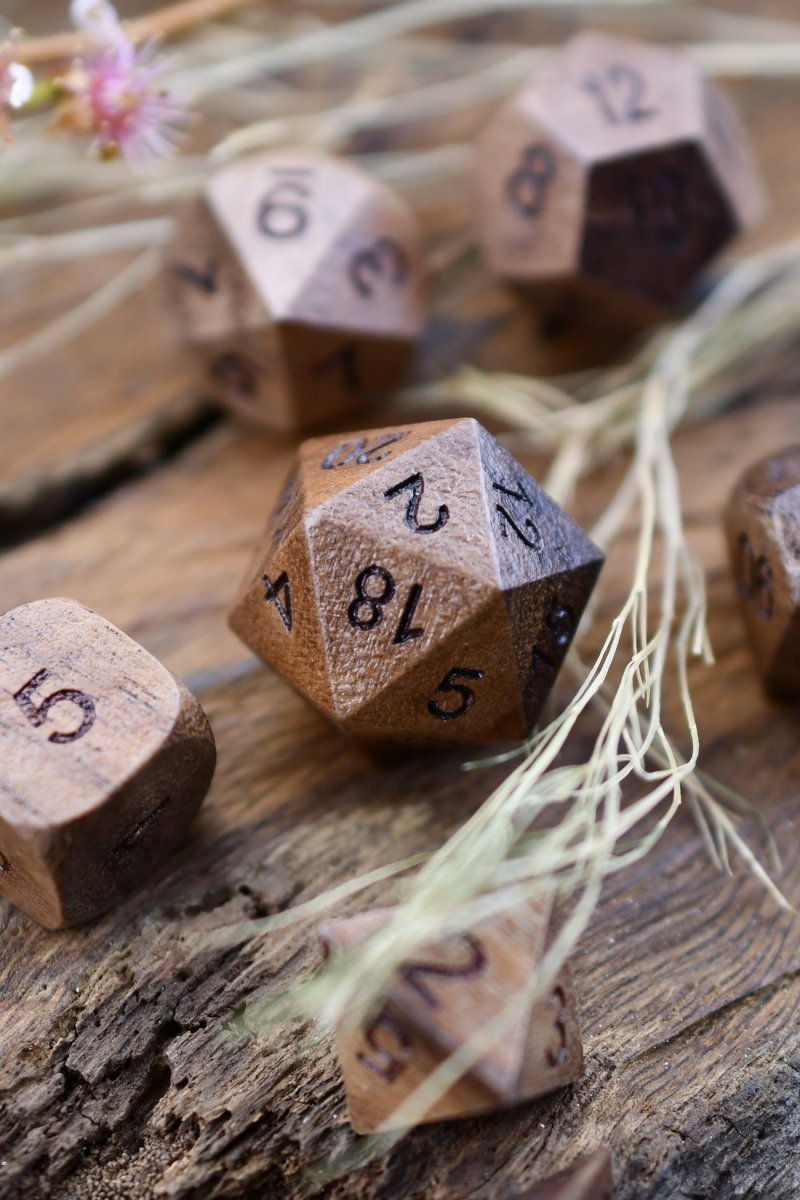 Whistling Thorn Acacia Wooden Dice Set - GAMETEEUK