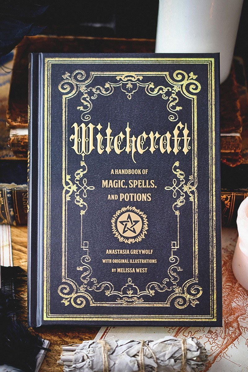 Witchcraft: A Handbook of Spells and Potions - GAMETEEUK