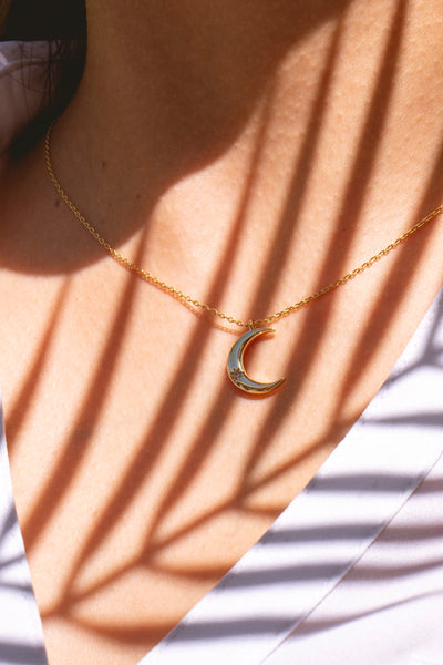 gold crescent moon necklace pendant jewelry