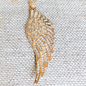 Crystal Angelwing Necklace - BelleStyle