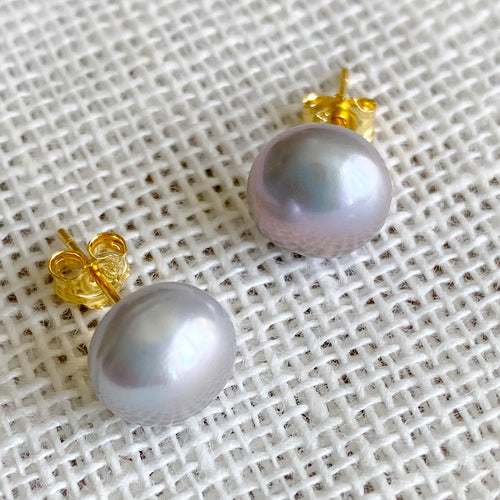 Sara Freshwater Grey Pearl Post Earrings - Bellestyle