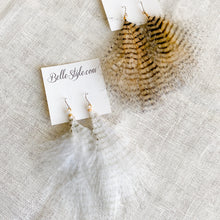 Tiger Feather Earrings - Bellestyle white  natural maribu