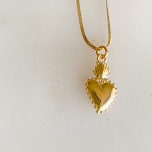 Sacred Heart Gold Charm Necklace - Bellestyle - herringbone chain