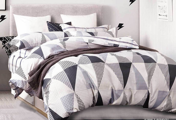 King Size Black White Repeated Triangle Quilt Cover Set(3PCS)